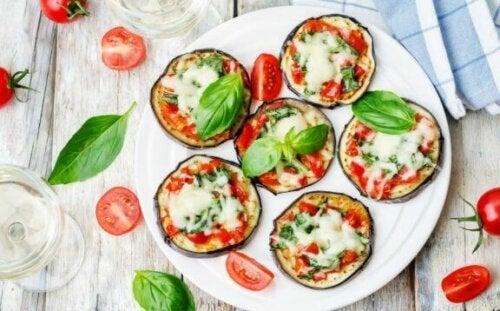 Pizza med aubergine.