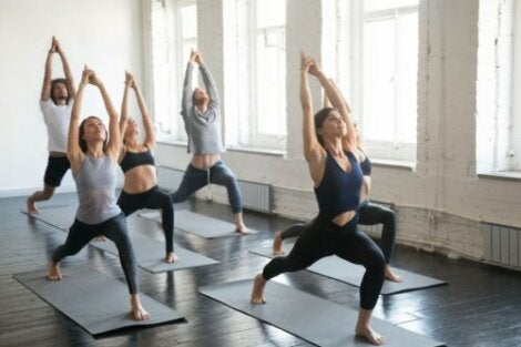 yoga - anjaneyasana