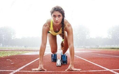 De forskjellige grenene av friidrett og fordelene ved dem