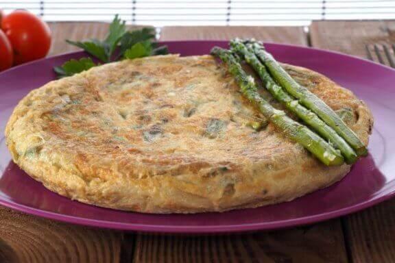 Sunne eggoppskrifter: Tortilla med villasparges