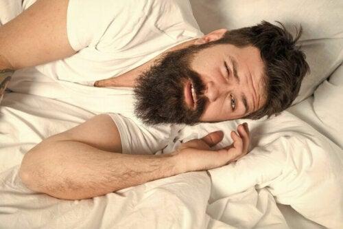 Hvordan påvirker ernæring søvn?