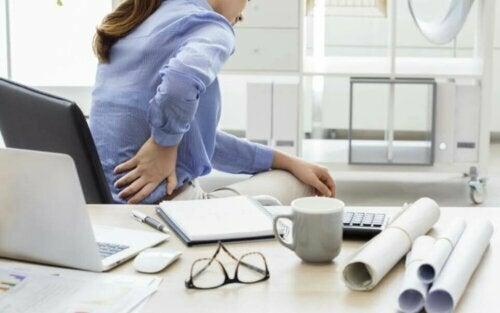 Gode øvelser for å lette nedre ryggsmerter