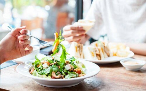 du trenger ikke å bestille en salat når du spiser ute