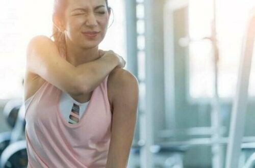 Skadelige øvelser du bør slutte å gjøre på treningsstudioet