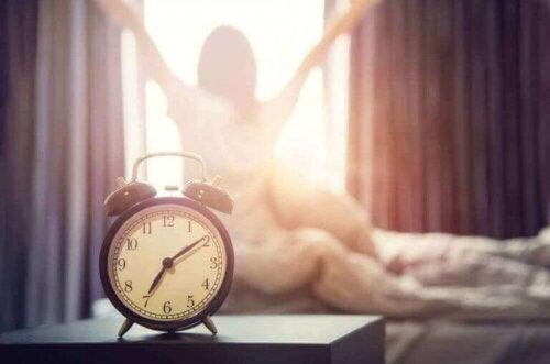Kvinne våkner tidlig