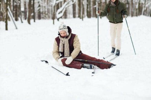 6 tips for å unngå kneskader når du går på ski