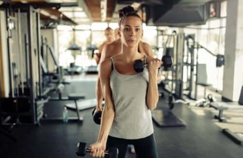 Få muskelmasse uten å løfte vekter.