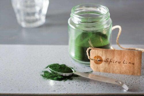 Hvordan påvirker algen spirulina prestasjonene dine?