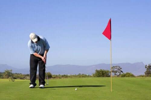 Hva er de viktigste reglene innen golf?