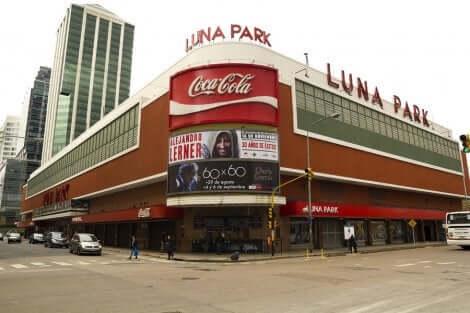 idrettsomvisning på Luna Park stadion