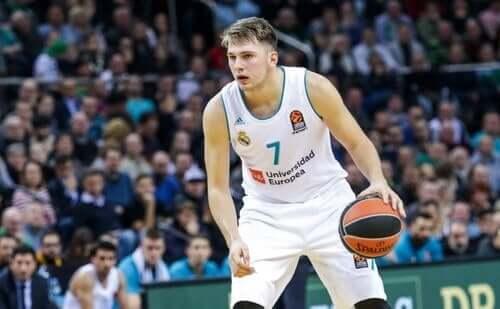 Basketballspiller.