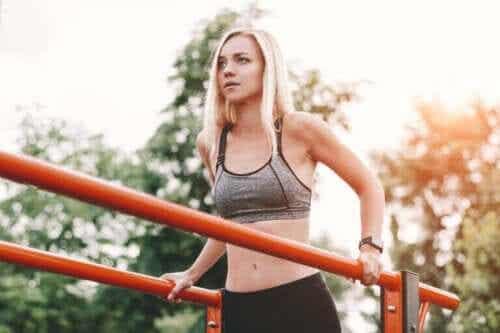 Tre gode og effektive øvelser for å styrke triceps