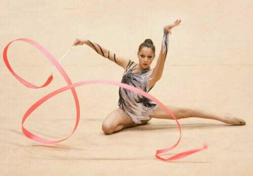 Regler for konkurrerende rytmisk gymnastikk