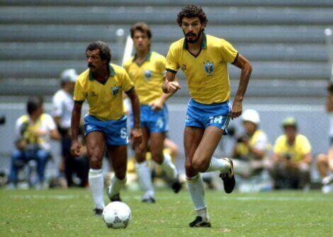De lengste karrierene: Socrates spiller for Brasil. Bilde: A la Contra.