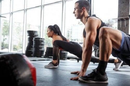 Strekke ut musklene uten å forlate hjemmet.
