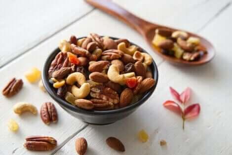 Å spise nøtter etter trening er en fin måte å konsumere tilstrekkelig protein på