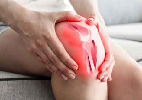 En kneskade kan forårsake mye smerte