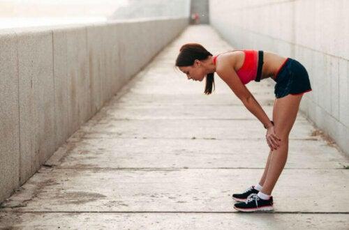 Kvinne som vil forberede atletisk ytelse.