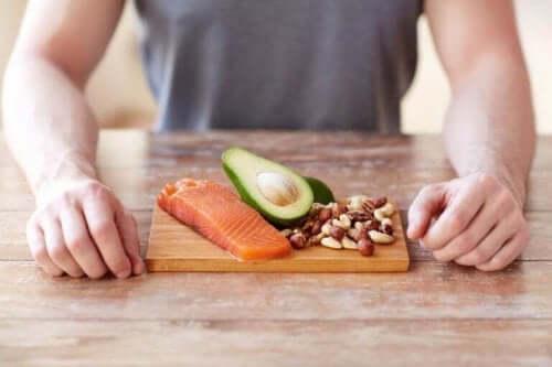 Måltid med proteiner.