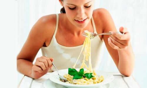 Tynne mennesker kan spise mer.