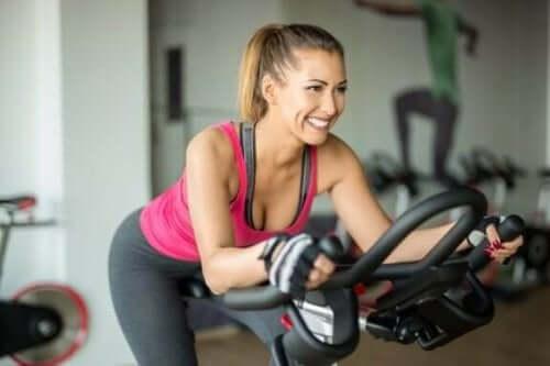 Påvirker styrketrening og kondisjonstrening hormonproduksjonen?