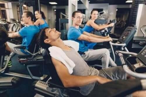 For mye kardio: Seks tegn på at kardio-treningen din skader deg