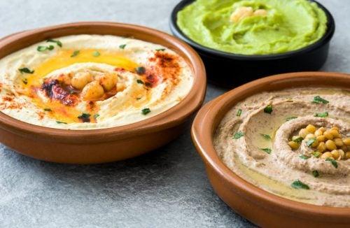 De lekkerste recepten om zelf hummus te maken