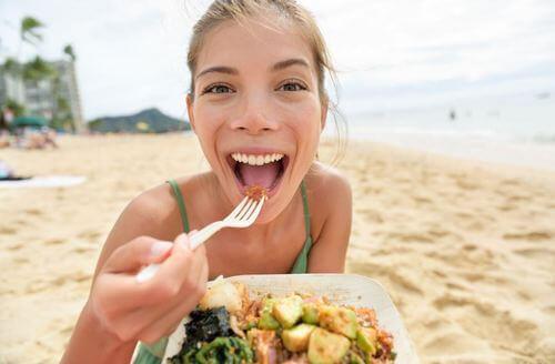 Leer hoe je twee gezonde strandmaaltijden maakt
