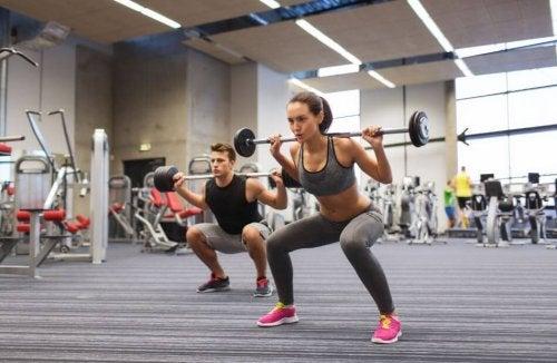 vrouwen en krachtsport