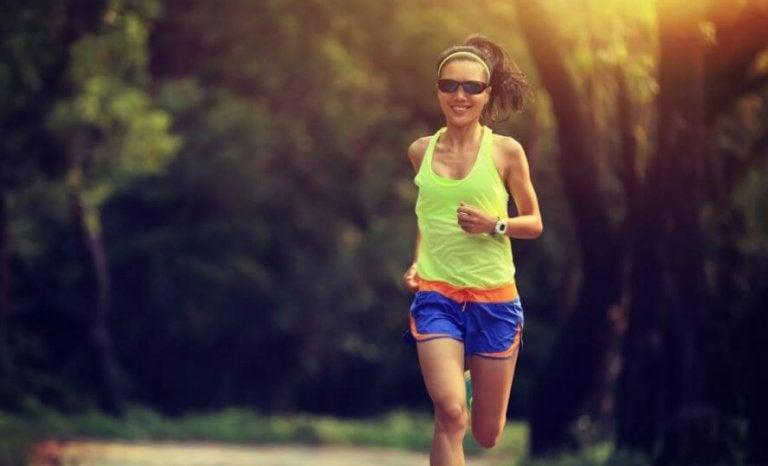 Hardlopen in de vroege morgen: waarom het gezonder is