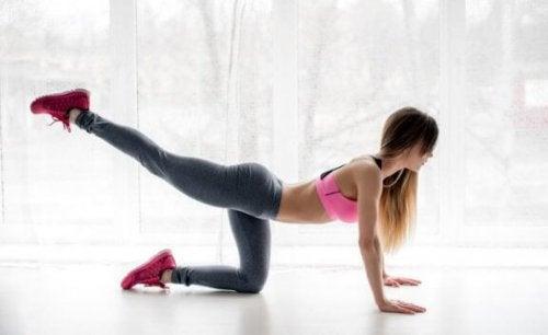 Work-out voor de billen die je thuis kunt doen
