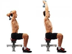 Triceps met dumbbell