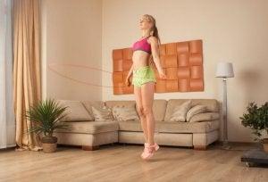Thuis touwtjespringen