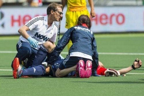 Gluteus tendinopathie bij sporters waaronder hockeyers