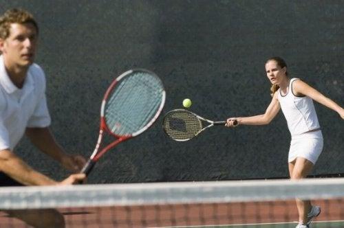 Tennis is goed voor de armspieren