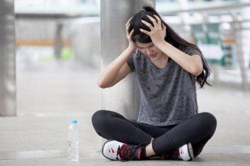 Vier oefeningen tegen hoofdpijn door spierspanning