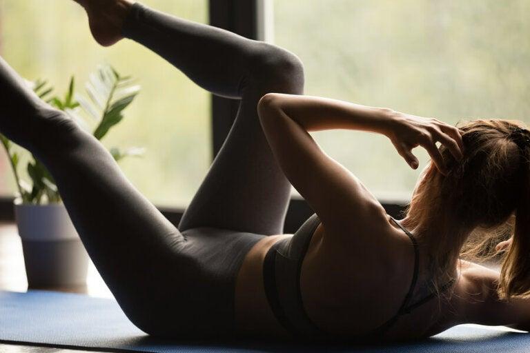 Tien minuten-routine met de beste oefeningen voor je buikspieren