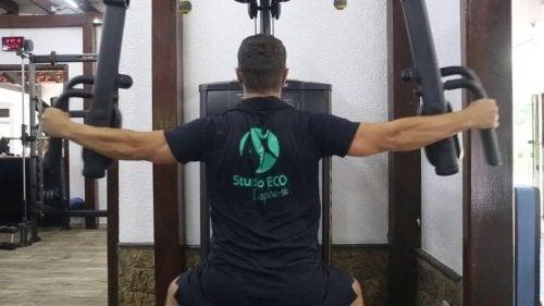 Oefeningen voor de schouderspieren