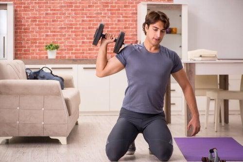 Apparatuur waarmee je thuis aan bodybuilding kunt doen