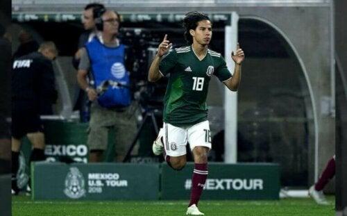 Diego Lainez een van de veelbelovende voetballers