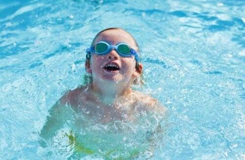 Vroeg leren zwemmen is goed