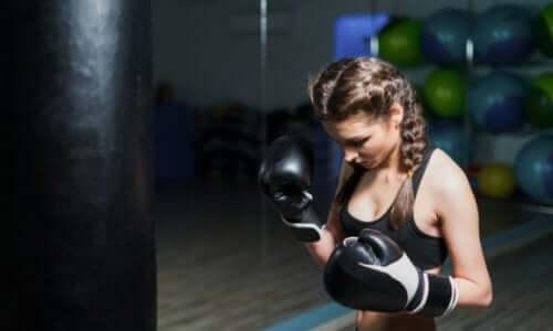 Doe aan fitboxing om in vorm te komen