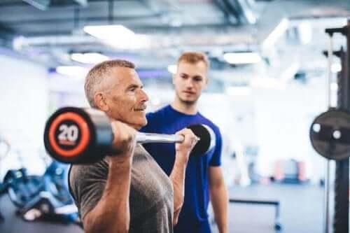 Spierkracht en een hoge levensverwachting: hoe zit dat?