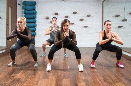 Ćwiczenia nóg: pięć przykładów na trening dolnej części ciała
