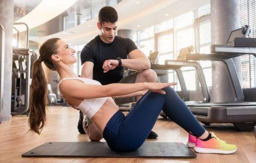 szybki trening mięśni brzucha dla zapracowanych