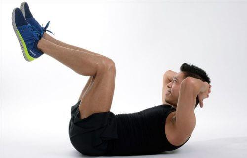 Ćwiczenie brzucha w domu - skuteczny trening