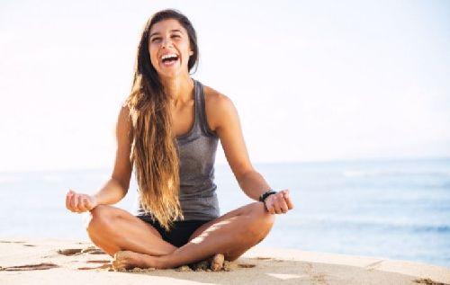 medytująca kobieta - dobry sen