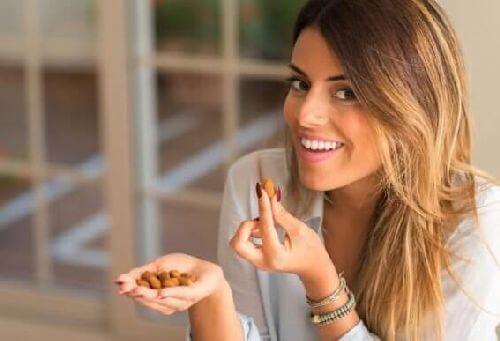Jedzenie migdałów i jego zalety nie do przecenienia