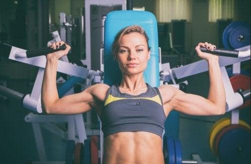 Przyrost mięśni – jakie czynniki wpływają na ich masę?
