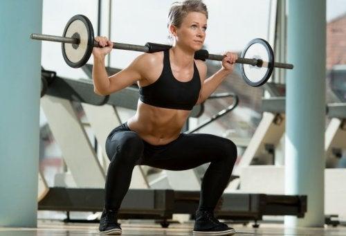 Biceps i triceps – efektywny trening ramion